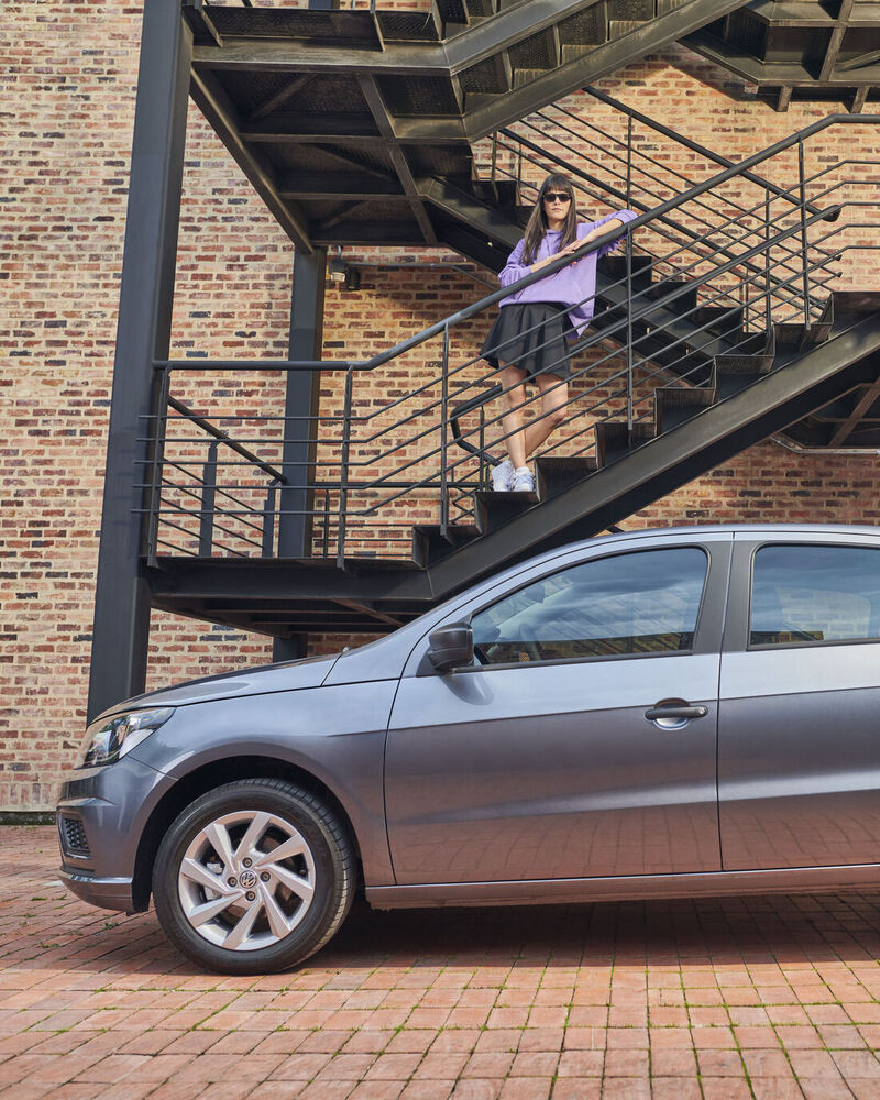gol-volkswagen-colombia-lateral-rojo